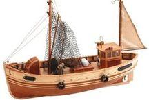 Intermediate Ships / Los barcos para modelistas con una cierta experiencia.  // For intermediate modelers.