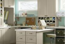 Corner Desk Solutions / Maximize space, make an unused corner an efficient, and comfortable, work space.