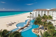 Playacar Palace Destination Weddings / Ideally situated right on the glistening white sand beaches of the Caribbean Sea, the intimate and luxurious Playacar Palace is one of the best all-inclusive resorts and wedding destinations in Playa del Carmen.
