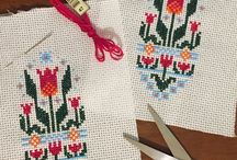Cross stitch, punto croce, point de croix / Ricami fatti e ricami da fare
