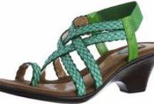 Women Stylish Sandals / http://www.cgshop10.com/2014/05/WomenFootwearSandals.html
