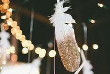 G A R L A N D S / Pretty and delicate garlands and bunting to style your wedding day.