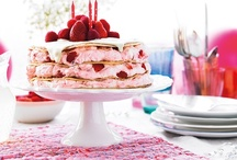Prettiest Pancakes / Most of us don't have time to admire our creations before we eat them, but these are almost too pretty to eat!