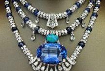 JOYAS - DIADEMAS - TIARAS - CORONAS / DE: Platino y Oro.  CON: Diamantes - Safiros - Rubies - Esmeraldas - Amatistas - Aguamarinas -  / by Ana Maria Gabarro