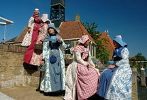 Hindeloopen costume / klederdracht / In the 18th century the fashion for women and children in Hindeloopen developed into a distinctive costume. Many items of this costume were made of the fashionable chintz fabric. The chintz wentke, a long overdress, which was open in the front, is certainly the most well known example of the Hindeloopen costume.