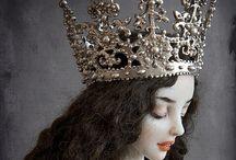 Dolls and trinkets: Beautiful and Disturbing / by Gabriela