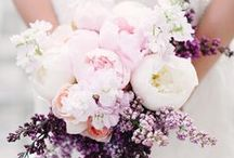 Flower Styling / Our fave ways to style flowers for table settings and gorgeous wedding bouquets