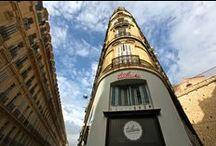 TULAVU l'Artyshop ?! / TULAVU L'ARTYSHOP = 135M2 de bonheur en plein cœur de Marseille + Une boutique de créateurs (mobilier, fringues, bijoux, accessoires,...) + Un espace conceptuel dédié aux artistes + Un coin sympa pour boire un petit café avec le WIFI + Un collectif de graphistes pour faire ta COM'