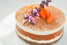 Food Love: Raw Cakes / by Stephanie Wills