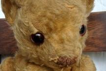 Prim Dolls & Bears / by Allison Swick-Duttine