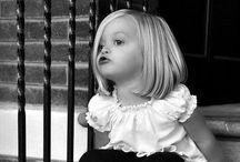 Pictures of children in black and white/ zwart-wit foto's van kinderen / Het geluk en ook het verdriet ,the hapiness and the sadness