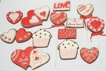 [FORUM] - Dolci per San Valentino / Una dolcissima, romantica, sensuale selezione di 100 ricette dolci dal nostro forum ufficiale, dedicata a San Valentino. Fragole, panna, cioccolato, cocktail rosa, marmellata di peperoncino e molto, molto altro...