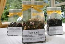 The Wisple Thee / The Wisple biedt meer dan 25 soorten losse thee aan, van Bai mu dan, een lichte witte thee, tot een sterke zogenaamde 'rookthee' zoals labsang souchong.