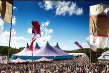Dutch Valley / De line-up wordt geboekt, de area's worden ingedeeld en de nieuwe website wordt gebouwd. Kortom, de voorbereidingen voor Dutch Valley Festival zijn in volle gang!  En net als vorig jaar kan je imposante podia en spectaculaire optredens van de grootste artiesten en acts van Nederlandse bodem verwachten.  Onderstreep 9 augustus met een dikke rode stift in je agenda van 2014 en kom het enige echte festival van Nederlandse bodem beleven: Dutch Valley!