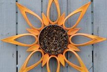 Garden Repurpose & Upcycle / Unique DIY ideas for the yard and garden: bird feeders, solar lights, planters, greenhouses, decor and more.