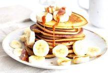 REZEPTE: PANCAKES / Hier gibt es viele leckere Pancake Rezepte. Ob mit Buttermilch oder Natron, die perfekten Pancakes sind für euch auf jeden Fall dabei.