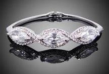 Bridal bracelets Mariee Design / Luxusné svadobné náramky s množstvom malých krištálikov.