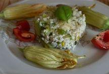 Ricette con le zucchine / Con le zucchine si possono realizzare tantissimi piatti sfiziosi e gustosi, sia salati che dolci. In questa sezione troverete tutte le ricette con le zucchine facili e veloci da realizzare. http://gustacinema.com/raccolte/ricette-con-zucchine/
