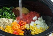 {Recipes} Crockpot / Easy dinner recipes that are cooked in a slow cooker or crock pot.