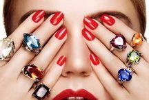 #Nails / A gente adora fazer unhas e ideias de nail art, esmaltes e cores não nos faltam!