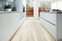 BioGraphy Kitchens Style 1 / Clean, sharp and for fans of all things minimal, BioGraphy allows you to create looks that reflect light, radiate a sense of sophistication and blend perfectly with your home's architectural characteristics.