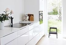 Minimalistic Kitchen / Modern, Minimalistic, simple kitchen design.   http://newcastlekitchenandbedroomco.co.uk