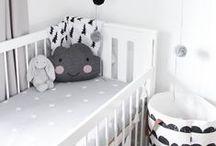 Baby (Baby )Nursery / De sødeste baby værelser, baby pleje og udstyr samt idéer til den kommende mor (The cutest babies rooms with cribs, bedding and ideas for moms to be)