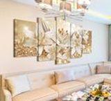 Obrazy do salonu / Dobieranie dekoracji ściennych do salonu nie jest łatwe - to w końcu jedno z najbardziej reprezentacyjnych pomieszczeń w mieszkaniu! Będziesz w nim wypoczywać, bawić się i przyjmować gości, więc wybieraj do niego obrazy rozważnie. Zobacz, jakie dekoracje na pewno sprawdzą się w takim wnętrzu!