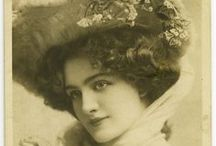 Vintage woman / Vintage woman photo's and old postcards