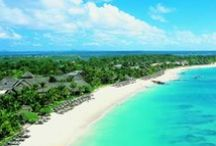Mauritius Beaches / Check out a list with the best beaches in Mauritius. Where would you like to enjoy a sunbath session and a good swimming?