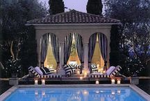 Outdoor rooms that Inspire / Inspiration for living well outdoors in luxury.