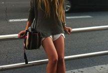 Como me gusta y  gustaría vestir / by Karina