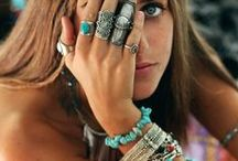 Jewellery (Ethnic & Tribal) / Ethnic Jewellery, Tribal Bangles and Necklaces and Body Jewellery