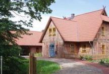 Seminarhäuser in Bremen und Umgebung / Bremen gilt als eine Stadt mit einem besonderen Status, denn sie ist zusammen mit dem 60 km nördlich gelegenen Bremerhaven Bestandteil des einzigen Zwei-Städte-Staates Deutschlands. Fällt der Name Bremen tauchen unweigerlich Assoziationen mit dem Städtebund der Hanse auf.