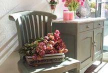 geverfde meubels / painted furniture