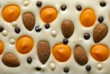 Original chocolate /from cokovice.cz/ / Milujeme kreativní tvoření a právě proto nabízíme na www.cokovice.cz možnost si namíchat vlastní čokoládu z mnoha ingrediencí, vybrat si padnoucí obal z pestré nabídky a pak obdarovat sebe nebo své blízké tímto originálním a hlavně chutným čokoládovým dárkem!