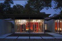 Ronchamp / Il lavoro di Renzo Piano letto attraverso due suoi progetti a cui ha collaborato anche Casalgrande Padana. Scoprite di più: http://issuu.com/casalgrandepadana/docs/percorsiinceramica26/1 / by Casalgrande Padana