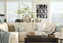 Neutral Rooms / Sophisticated and simple, the perfect setting for permanent botanicals.
