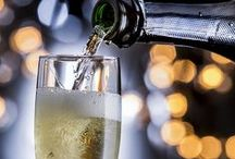 Champagne Cocktails / Bubbly drinks for New Year's Eve, brunch or anytime you need to celebrate with Champagne.