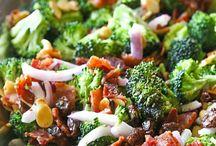Broccoli ❤️ Salade / Heerlijke broccoli salades. Heel makkelijk mee te mixen. Gezond gerecht en licht, zeker als je erna gaat sporten.