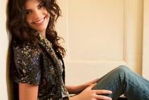"""Nikki Yanofsky """"Bienvenue dans ma vie"""" <3 / A young canadian singer who has a very lovely voice ! As an interpreter of beautiful jazz standards !!  :-) / by Carole Ccfb"""