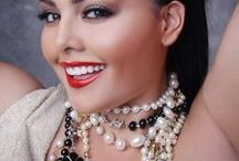 Plus size pearls / Because pearls are the best choice for every single day. Even one, small ring could change your ordinary day into a special day