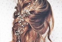 Festival Chic Wedding Hair / From floral up-dos, beach waves to chic ponytails, this board is filled with inspiration for the perfect festival chic wedding hairdo! This board is not only great for bride-to-be's but also bridesmaids and guests attending a festival themed wedding. To find out about our upcoming 2016 Vintage Chic Wedding Fairs, visit our website: http://www.vintagechicweddingfair.co.uk/