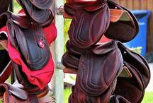 Paardenzadel / Paarden zadels
