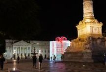 Christmas around Lisbon / Christmas in London is a special time of winter cheer with the giant Christmas tree in Terreiro do Paço square, Christmas concerts, and the famous downtown Christmas lights.