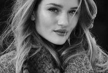 Rosie Huntington-Whiteley / The lookbook of this gorgeous fashion icon Rosie H-W.