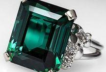 Bijoux / or, diamants, pierres précieuses, perles, platine