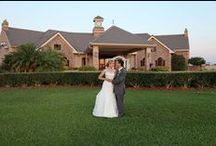 Eagle Creek Wedding Orlando / Eagle Creek Orlando Weddings. Eagle Creek Golf Club encompasses a feel of old world romance from the moment you cross the cobblestone bridge. We offer both the ceremony and reception site here at Eagle Creek. The luscious front lawn, our exquisite first tee overlooking the beautiful water with fountain in view, along with the Breathtaking views. Photos by Tab McCausland Photography