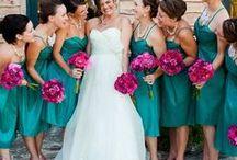 Fotos com Madrinhas / Quer inspirações para as madrinhas? Selecionamos diversos vestidos ♥