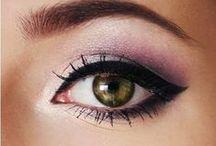 Nails & Makeup / Self-esteem